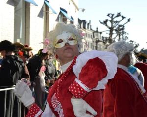 carnaval margriet uitgesneden